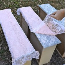 How to Spray-Paint Lace onto your Recycled Furniture Lay a strip of lace on top of your drawer. Spray-paint right over it and let it dry a bit. Remove lace from insert dresser drawer. (For the girls' room) Home Crafts, Diy Home Decor, Diy Crafts, Recycled Furniture, Painted Furniture, Recycled Dresser, Furniture Makeover, Diy Furniture, Redoing Furniture