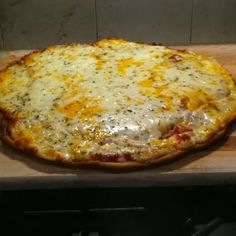 Gluten free pizza on the Big Green Egg!
