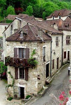 Village corner of St-Cirq Lapopie - Perigord, France