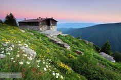 Lodge Kozia stena in Stara planina mountain, BG