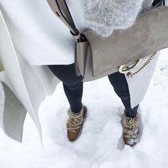 B a l a d e ❄️ #outfit #outfitoftheday #details • Manteau #zara • Cardigan #maje • Pull #zara • Écharpe #despetitshauts • Boots #nowles #isabelmarant • Sac #faye #chloe