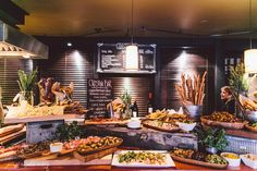 Hors d'oeuvres display : Seattle wedding venues: JM Cellars, Weddings in Woodinville (32)