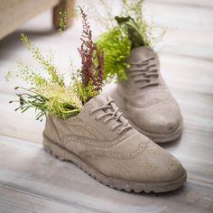 Schuhe-bepflanzen-ideen-sukkulenten-deko-garten- | Dekoration ... Pflanzgefase Aus Moos