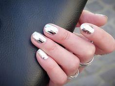 Маникюр на короткие ногти - металлик