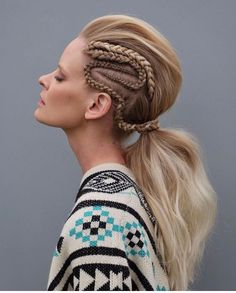 How to style the box braids? Tucked in a low or high ponytail, in a tight or blurry bun, or in a semi-tail, the box braids can be styled in many different ways. To go to work, we can wear… Continue Reading → Casual Hairstyles, Ponytail Hairstyles, Summer Hairstyles, Pretty Hairstyles, Ponytail Ideas, Medium Hairstyle, Hair Ponytail, Updos, Box Braids Pictures