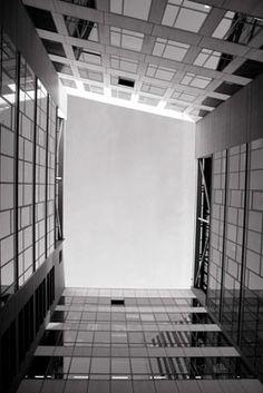 "Workshop ""Architecture"" : Pierre Billemont et Philippe Mahieu Workshop Architecture, Tile Floor, Flooring, Home, Architectural Photography, Urban Planning, Ad Home, Tile Flooring, Wood Flooring"
