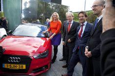 Audi shared fleet is gepresenteerd in het bijzijn van minister Schultz van Haegen.