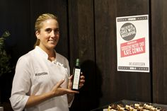 Chef Kate Cowan and a bottle of Chile Fresh EVOO. Pastry Chef, Olive Oil, Chile, Tasty, Fresh, Bottle, Desserts, Tailgate Desserts, Flask