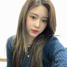 Yuri, Kim Min, Ulzzang Girl, Pretty Face, Kpop Girls, Rapper, Girl Fashion, Idol, Hair Makeup