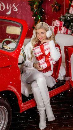 Christmas Collage, Christmas Mood, Christmas Photos, All Things Christmas, Merry Christmas, Xmas, Christmas Decorations, Christmas Ornaments, Holiday Decor