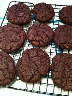 Best Chewy Double Chocolate Chip Cookies #vegan http://www.theppk.com/2008/10/chewy-chocolate-chocolate-chip-cookies/