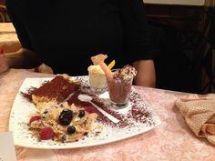 Degustazione dei nostri dolci con Mousse al Limone, Tiramisù, Mousse al Cioccolato e Sbriciolata di Millefoglie ai Frutti di Bosco