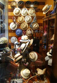 Escaparate de Sombrereria Albiñana Hat Shop, Nespresso, Kitchen Appliances, Shopping, Ocean Room, Sailing Boat, Shop Displays, Sombreros, Tents