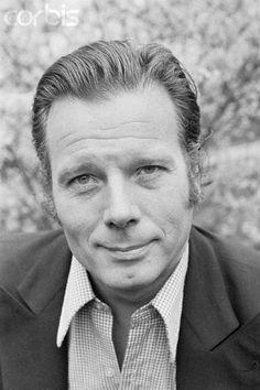 Jean Piat, né le 23 septembre 1924 à Lannoy dans le Nord, est un acteur et…