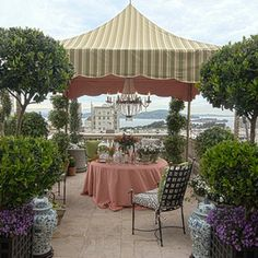 traditional patio by Alex Amend Photography
