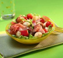 Recette - Salade de mozzarella, tomates et pommes fruits - Notée 4.4/5 par les internautes