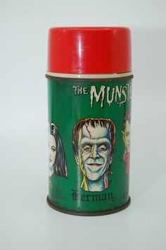 6f56e5d5baf5cb VINTAGE METAL LUNCH BOX THERMOS THE MUNSTERS 1965, Bottle No. 2835  vintage