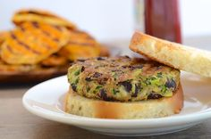 Vegan Zucchini and Black Bean Veggie Burger Burger Recipes, Veggie Recipes, Whole Food Recipes, Vegetarian Recipes, Cooking Recipes, Healthy Recipes, Drink Recipes, Vegan Veggie Burger, Black Bean Veggie Burger