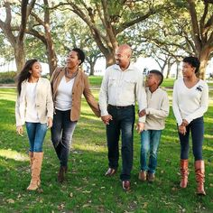 """Always a great day to spend time with family.#blacksouthernbelle  Image by  @lbzzphotography  """"Time spent with family is worth every second"""" . . . . . #lbzzphotography #familylife #Charlestonphotographer #family #familyphotography #familyfirst  #Charlestonweddingphotographer #lovestory #loveauthentic #instakids #southernbelle  #southerngentleman #happy #downtown #truelove #holiday #moments  #christmas2016 #pictureperfect #walkinthepark #blacksouthernbelle #familygoals #familypictures"""