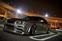 Nissan Skyline GTR R34 Four Door