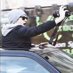 #niallers selfiess If you made a wierd face to this, well imagine the people in the stores faces wheb you and your friends do itt(;