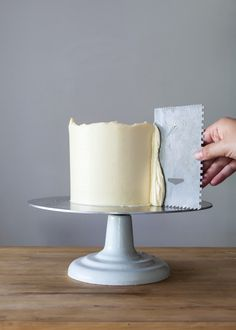 Complete tutorial: how to professionally ice a layer cake