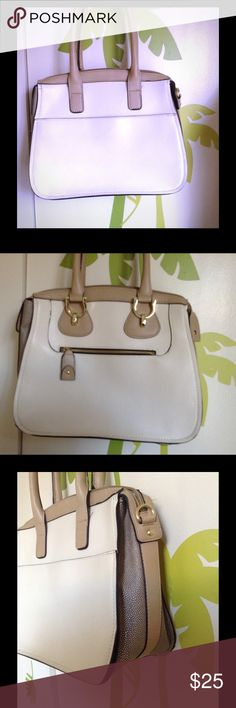 London Fog Satchel Bag Great condition. Doesn't come with long strap. London Fog Bags Satchels