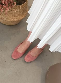 Trot around the block comfortably and stylishly in these gorgeous faux suede flats! Suede Flats, Little Things, Asian Fashion, Pretty Little, Bags, Accessories, Shoes, Style, Handbags
