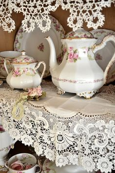 Jennelise - French Tea Pot and Sugar Bowl. I love the lace
