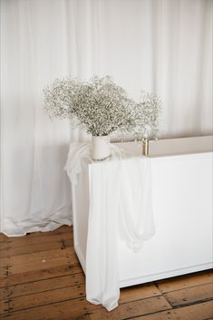 Perfect for the post-ceremony cocktail hour. Dreamy styling featuring neutrals tones, babies breath and line. Styling, design and florals @two_foxes_styling Linen @tble.linen.hire  Stationary @justmytype_nz Lighting by @vintageandstyle Babies Breath, Opening Day, Neutral Tones, Engagement Shoots, Foxes, Stationary, Florals, Minimalism, Cocktail