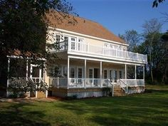Cape Charles (VA) The Baywood Bed And Breakfast United States, North America Located in Cape Charles, The Baywood Bed And Breakfast is a perfect starting point from which to explore Cape Charles (VA). The hotel offers a wide range of amenities and perks to ensure you have a great time. Service-minded staff will welcome and guide you at the The Baywood Bed And Breakfast. Each guestroom is elegantly furnished and equipped with handy amenities. The hotel offers various recreation...