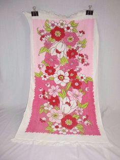 8cb5f9bcb0 Vtg MOD Pink Red Floral Flower Power Bath Towel Crown Time by TMC Groovy  Bath Linens