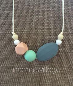 Silicone Teething Necklace / Silicone Nursing Necklace - Amaya door MamasVillage op Etsy https://www.etsy.com/nl/listing/221182022/silicone-teething-necklace-silicone