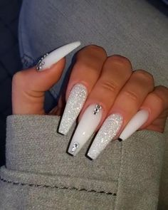 If you have problem with long nails, then try Acrylic Nails or artificial nails. Listed below are the Best Acrylic Nails Ideas for 2019 to take inspiration. White Coffin Nails, Bling Acrylic Nails, Acrylic Nails Coffin Short, Polygel Nails, Best Acrylic Nails, Glam Nails, White Acrylic Nails With Glitter, Rhinestone Nails, White Acrylics