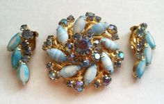 Vintage Juliana Rhinestone Brooch & Earrings Set  Blue Faceted Rhinestones Gold