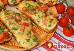 Hot sandwiches When there is no time to prepare full meals, you can use recipe for hot sandwiches. Gourmet Cooking, Cooking Tips, Cooking Recipes, Healthy Recipes, Healthy Food, Hot Sandwich Recipes, Yummy Snacks, Quick Meals, Full Meals