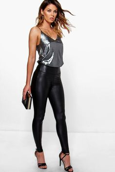 Violet Leather Look High Waist Skinny Leggings - Leggings - Street Style, Fashion Looks And Outfit Ideas For Spring And Summer 2017 Outfits Leggins, Leather Leggings Outfit, Leggings Fashion, Outfits With Leather Pants, High Socks Outfits, Spanx Faux Leather Leggings, Stylish Outfits, Cool Outfits, Casual Bar Outfits