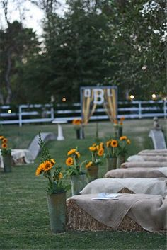 46 Ideas For Backyard Wedding Ceremony Ideas Hay Bales Farm Wedding, Dream Wedding, Wedding Backyard, Wedding Country, Trendy Wedding, Forest Wedding, Wedding Bells, Wedding Fair, Church Wedding