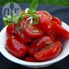 Foto recept: Salade van gemarineerde cherry tomaatjes