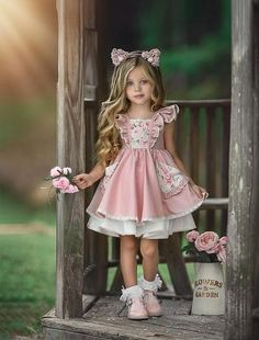 Best 12 Cute Scoop Neck Short Sleeve A Line Flower Girl Dresses With Lace Applique – SkillOfKing. Dresses Kids Girl, Little Dresses, Cute Dresses, Kids Outfits, Flower Girl Dresses, Baby Girl Fashion, Kids Fashion, Kids Frocks, Foto Baby