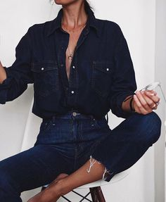 Denim on denim @doses_of_luxury By @andicsinger Shop in our link in bio