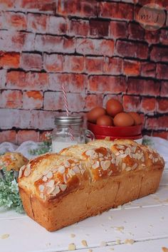 Next Previous Is there anything better for breakfast than a slice of homemade brioche spread with jam? Biscuit Bread, Pan Bread, Bread Recipes, Baking Recipes, Brioche Bread, Bunt Cakes, Muffins, Bread And Pastries, Savoury Dishes