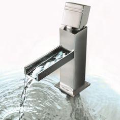 Grifo Kuatro Cascade. Un bello grifo con cascada de agua para tu cuarto de baño.