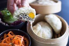 Banh bao {petites brioches vapeur vietnamiennes farcies au porc}