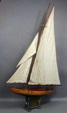 1930s Era Vintage Pond Yacht w/ Lead Keel