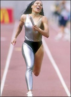 Flo-Jo passed away from suffication caused by an epileptic seizure at age Wife, mother, Olympic champion. Flo Jo, Women In History, Black History, My Black Is Beautiful, Beautiful Women, Sport Icon, Track And Field, Female Athletes, Powerful Women