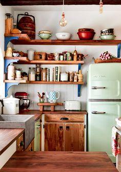 This is a dream kitchen space. This is a dream kitchen space. This is a dream kitchen space. This is Retro Home Decor, Retro Kitchen Decor, Bohemian Kitchen Decor, Chef Kitchen Decor, Eclectic Kitchen, Bohemian Decor, Vintage Kitchen, Kitchen Styling, New Kitchen