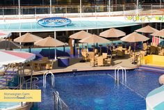 Norwegian Gem Topsiders Bar & Grill Travel #Cruise NCL. Great for late night snacks and drinks!