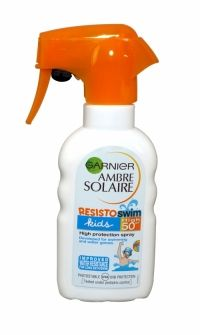 Ambre Solaire Kids Resisto Swim Sun Protection Spray 200ml Spf 50+ Tested for long periods of swimming. High protection against UVA and UVB rays with the patented filtration system Mexoryl SX + Mexoryl XL. Offers effective protection, for children's delicate skin