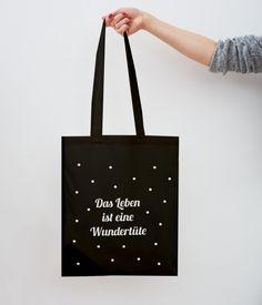 http://de.dawanda.com/product/76093287-Jutebeutel-Wundertuete-schwarz